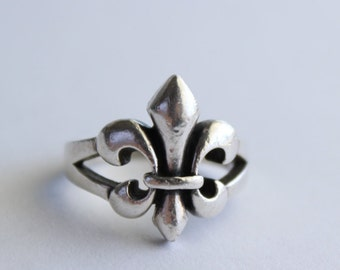 Fleur-De-Lis Ring Sterling Silver Size 8 1/2