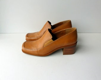 Vintage 90s Shoes Chunky Heel Loafers Tan Leather Slip On Square Toes Minimalist Boho Modern / Block Heel / US 7  UK 5 Euro 37 38