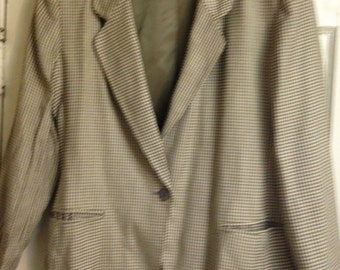 Women's vintage houndstooth jacket, gray and cream, size 12