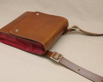 Medium Messenger Bag - Light Brown / Red