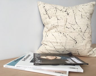 Entebbe Spray Mudcloth Pillow cover