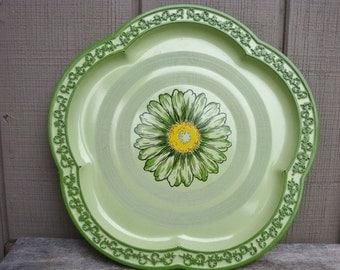 Rossini Lacquerware Green Tray with Scalloped Filigree Edge Flower