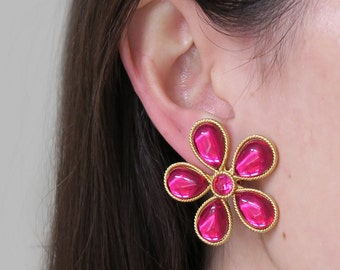 Vintage Pink Magenta Glass Flower Clip On Earrings