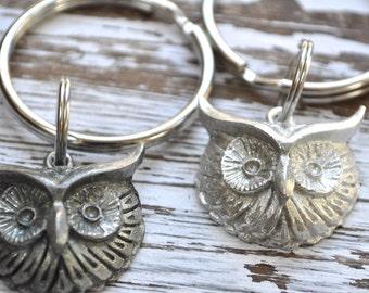 owl woodland animal keychain, wise owl keychain, choice of finish in silver or oxidized silver, woodland animal key chain, owl key ring
