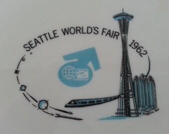 SALE!!!  Vintage 1962 Seattle World's Fair Commemorative Plate
