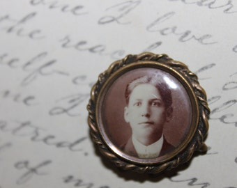 1900 Lover's Picture Brooch/Pin, Rare
