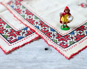 Vintage Hungarian Cross Stitch Hand Embroidered Handkerchiefs - Set of 2