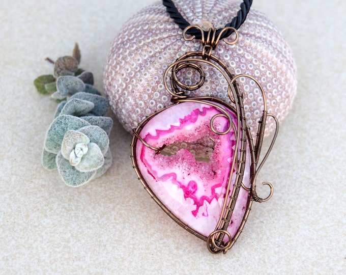 Pink Fuchsia Druzy necklace gemstone pendant Wire wrapped Natural stone handmade jewelry Gift for her/girlfriend Earthy Love gift