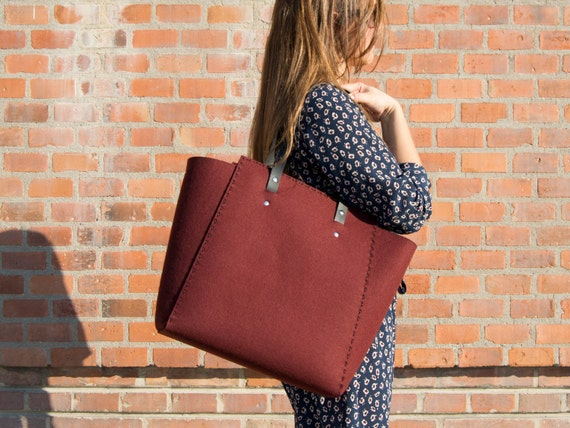 Extra large Felt TOTE BAG / maroon felt tote bag / burgundy felt shopper / shopping bag / felt shoulder bag / carry all bag / made in Italy
