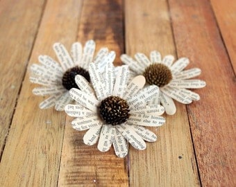 30 Pcs Book Page Daisy Flowers for Weddings and Craft Projects