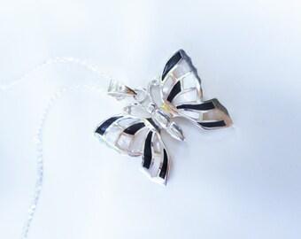 Butterfly necklace,onyx necklace,black white butterfly necklace,pearl butterfly,pearl necklaces,butterfly necklaces,black white butterfly