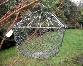 Vintage Egg Basket, Collapsible, Wire, Charming, Easter Decor