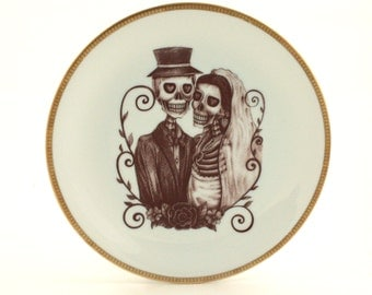 Altered Vintage Plate Wedding Porcelain  Bride Groom Skeleton Gift Present Ribbon Heart Couple Gothic Steampunk Halloween Home Decoration
