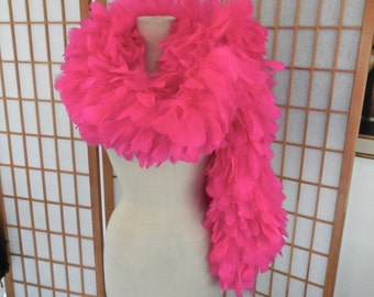Vintage Boa Ostrich Feather Scarf in Neon Pink