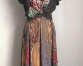 Vintage Boho Maxi Skirt/ Pleated Skirt/ Paisley Print/ Fall Skirt/ Earth Tones/ Boho Skirt/ Long Skirt/ Hippe Skirt/ High Waisted Skirt