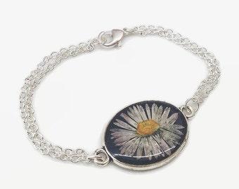 Daisy bracelet, real flower bracelet, resin jewelry, hippie jewelry, boho bracelet, silver daisy bracelet, pressed flower jewelry, cute gift