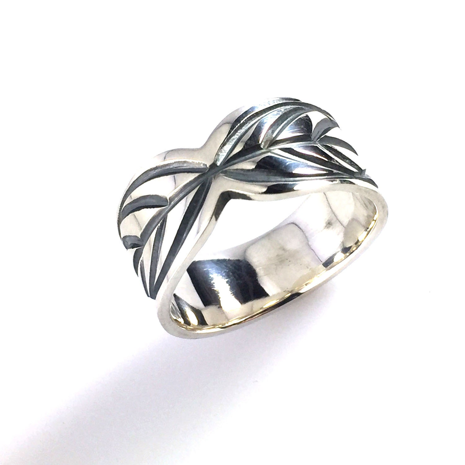 heavy silver ring sted design