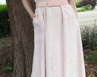 VINTAGE PINK DRESS 1950's Embroidery Bows Short Sleeves Size Small