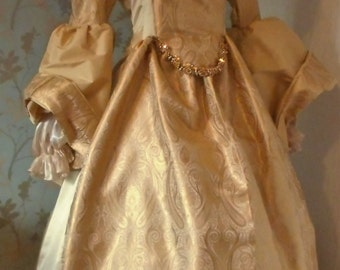 Queen Elizabeth the 1st  golden gown complete with neck ruffle Tudor queen princess stage party banquet faire reinactment