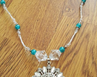 Clear and blue flower necklace