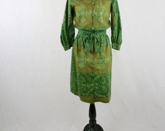 1970s Green Batik Print Peter Pan Collar Cotton Dress Handmade