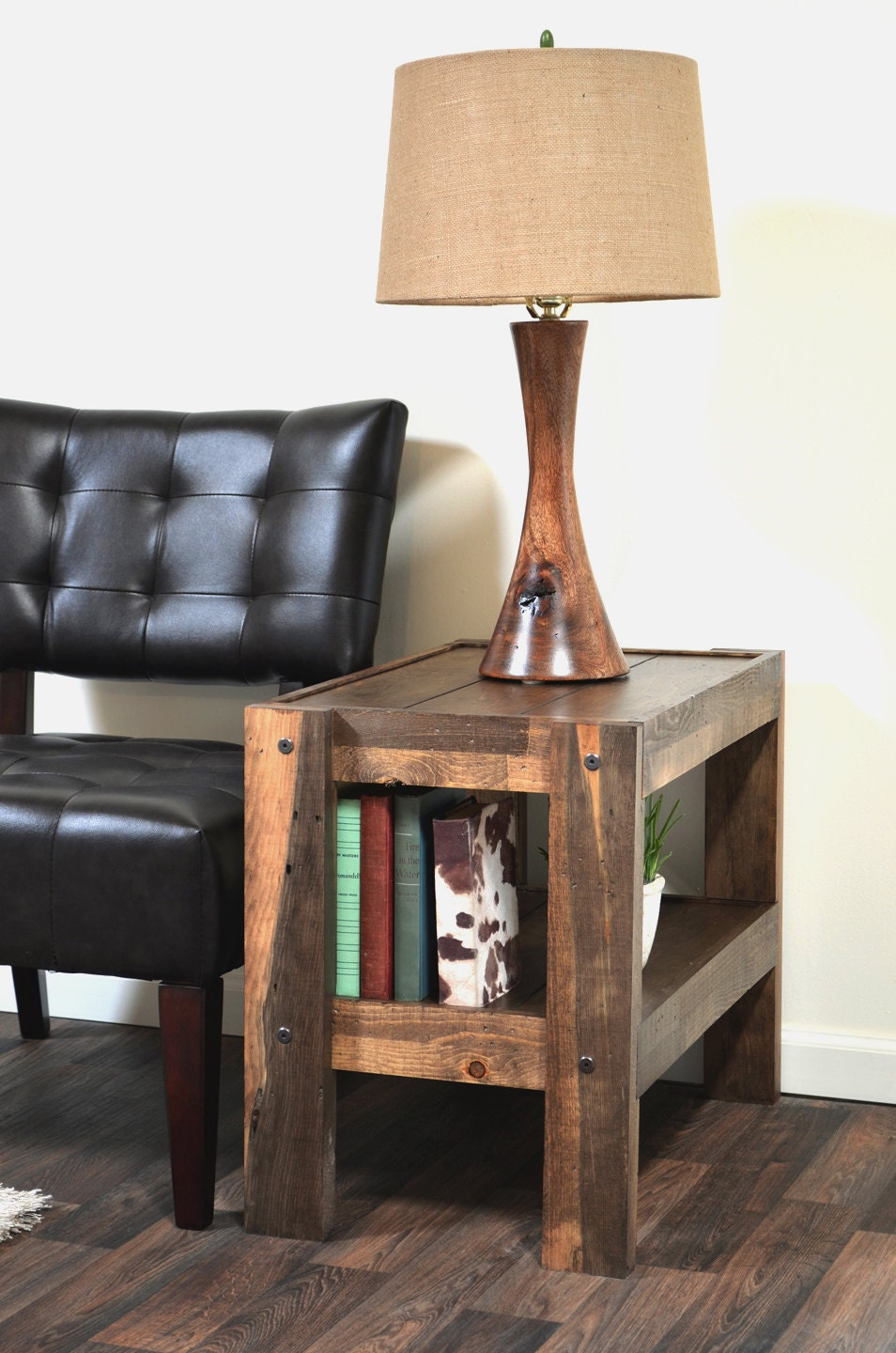 Reclaimed end table pallet wood barn wood style side table for Pallet end table