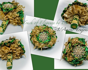 L'AMOUR TOUJOURS Heirloom Bridal Brooch Bouquet - Emerald Green Flowers & Gold Feathers - Victorian Brooch Bouquet - Vintage Brooch Bouquet