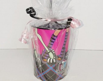 FREE GIFT! Set of 8 - Monster High Party Favors!  Ready To Ship!
