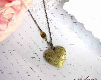 Heart Locket Necklace Personalized Custom Initial Gold brass Vintage Heart Locket Necklace Antique bronze Christmas Gift for her
