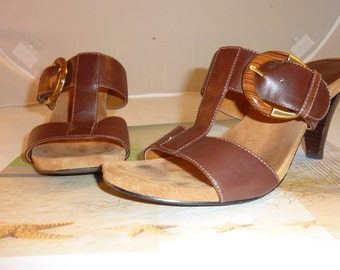 "Vintage ""Joan and David brown leather sandals Size 7 1/2"