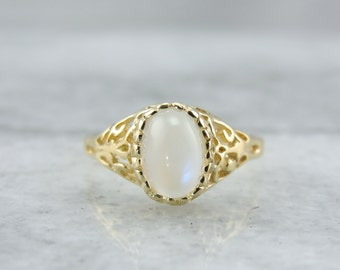 Filigree and Night Sky: Vintage Moonstone Ladies Ring for Any Occasion  17U5VC-R