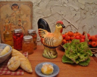 Rustic Porcelain Rooster 1:12 Scale Miniature Dollhouse Kitchen Accessory