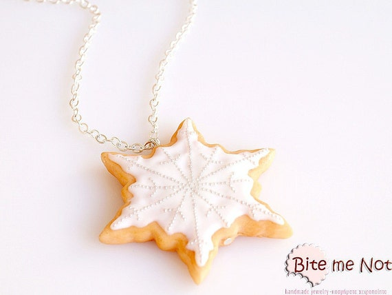 Snowflake Biscuit Necklace Mini Food Jewelry - Miniature Food Jewelry, Handmade Necklace, Polymer Clay, Dollhouse Miniatures, Gift, Kawaii