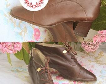 Bottines cuir vintage, marque Minelli, marrons, à talons, boucles dorées et lacets, pointure 36, style rétro/ vintage