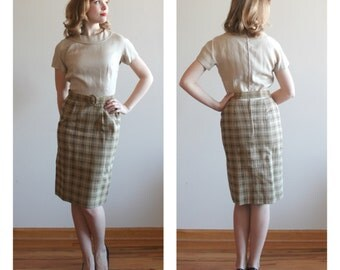 Vanilla Latte Dress * 1960s beige wiggle dress * Size 2