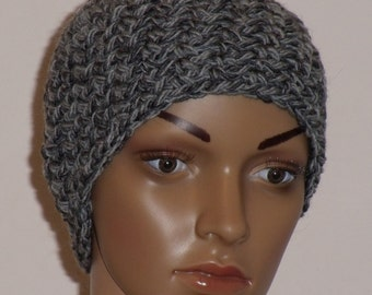 Crochet hat in two shades of grey