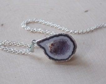 Geode Necklace / Geode Half / Geode Half Necklace / Geode Jewelry / Geode Necklace / Druzy / Raw Geode Necklace / Geode Slice / Geode Druzy