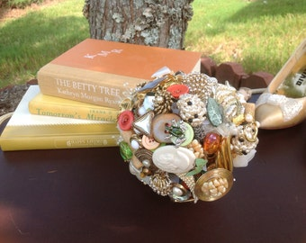 Custom made Brooch Bouquet
