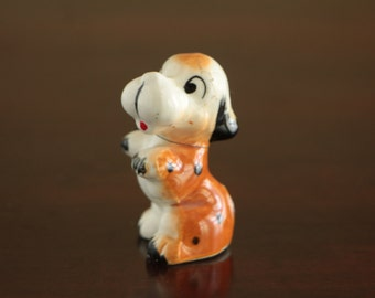 Vintage ceramic puppy dog figurine / collectible ceramic sitting puppy