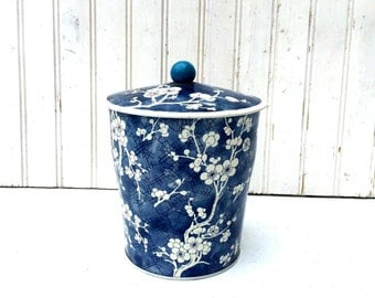 Vintage Mid-Century, Blue and White Cookie Tin, England
