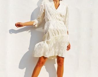 Boho Wedding Dress, Vintage Wedding Dress, Lace Wedding Dress, Ivory Wedding Gown, Modest Wedding Dress, Wedding Dress Sleeves, Simple Dress