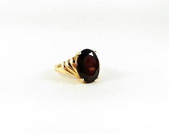 Vintage Garnet Solitaire 14k Gold Ring