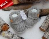 Newborn booties. Natural organic wool booties. Hand Knitted Baby Booties. Wool Baby Booties. Grat baby booties.