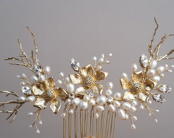 Gold pearl comb, Swarovski crystals and pearls comb, wedding pearl comb, gold comb, veil comb