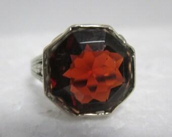 Vintage 18 kt Gold Faceted Garnet Ring.