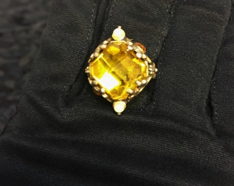 1960's Yellow Gem Goth Ring, Vintage Adjustable Gothic Finger Ring in Brass Tone & Yellow Glass, 60s Steampunk Ring, Fantasy Witchcraft Ring