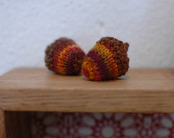 Acorns / Waldorf Toy / Imaginative Play Toys / Country Home Decor / Knitted Acrons