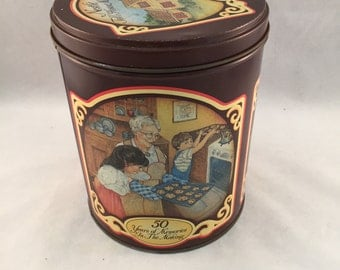 Vintage Nestle Toll House Morsels 1989 Collectors Tin
