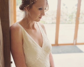 Bridal headdress, pearl crystal bridal halo, freshwater pearl headpiece, rhinestone and pearl headdress, silver halo, ribbon tied headdress