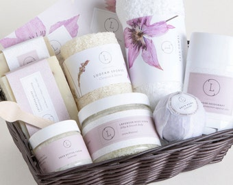 Bridesmaid Gift. Spa gift set .Spa gift basket. SPA Gift set. Birthday bath and body gift. Gifts for mom.Bridesmaids spa Gift. Bath gift set